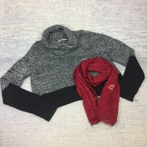 Tahari black grey over sized cropped sweater